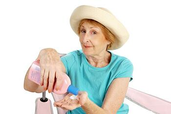 Keeping-seniors-shave-from-sunstroke-in-West-Seattle